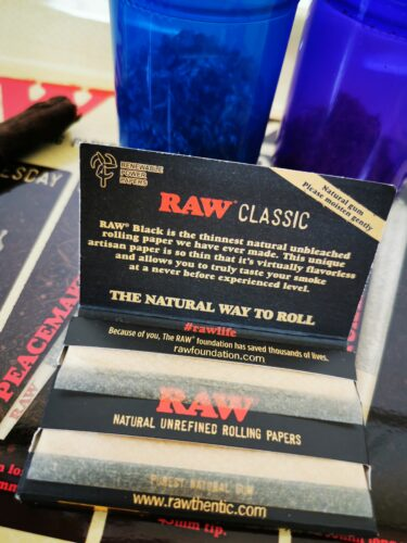 RAW Black Papers Single Wide Double Window photo review